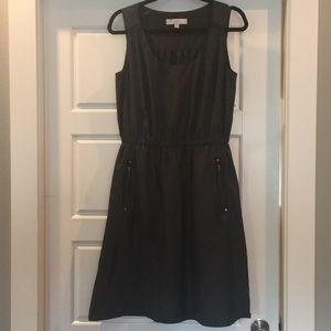 Loft sz 8 100% poly dress with zip pockets
